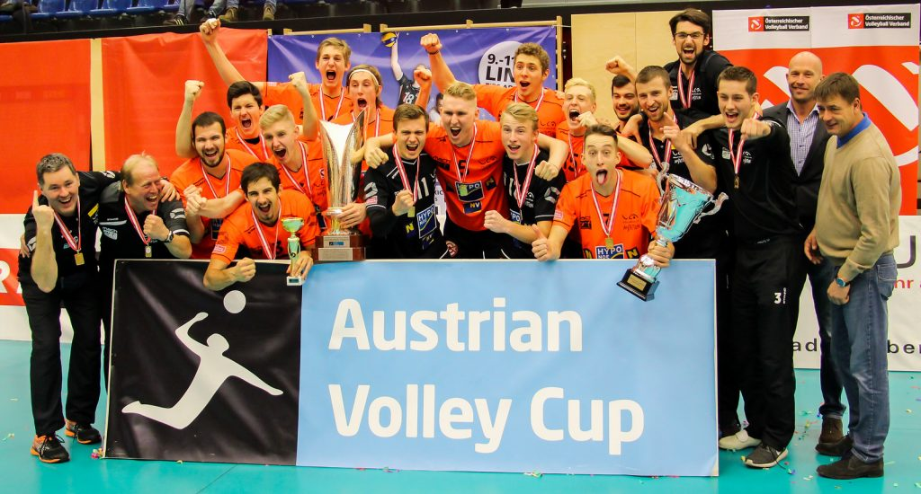 Herrenfinale: VCA Amstetten NÖ gg VBC TLC Weiz. Image shows: cup winners VCA Amstetten NÖ