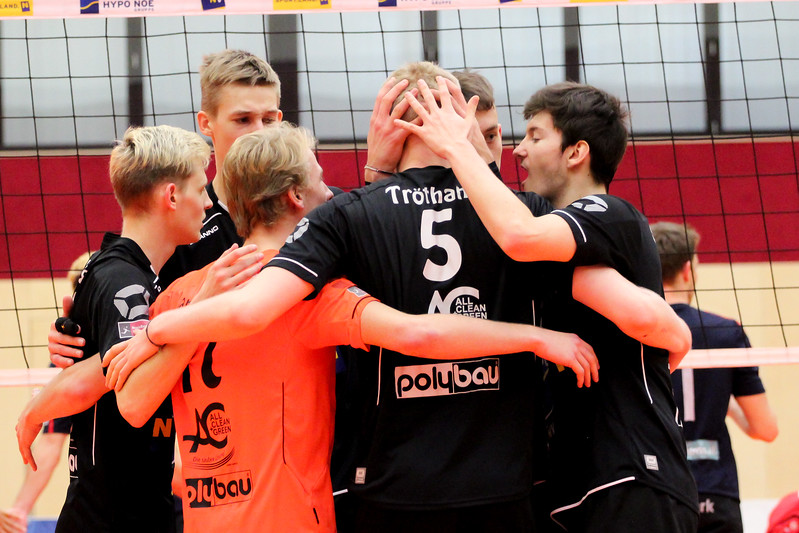 DenizBank AG Austrian Volley League Men 2016/17 - Spiel um P5 - SG VCA Amstetten NÖ/hotVolleys gg. VBK Wörther-See-Löen Klagenfurt - Bild zeigt: SG VCA Amstetten NÖ/hotVolleys