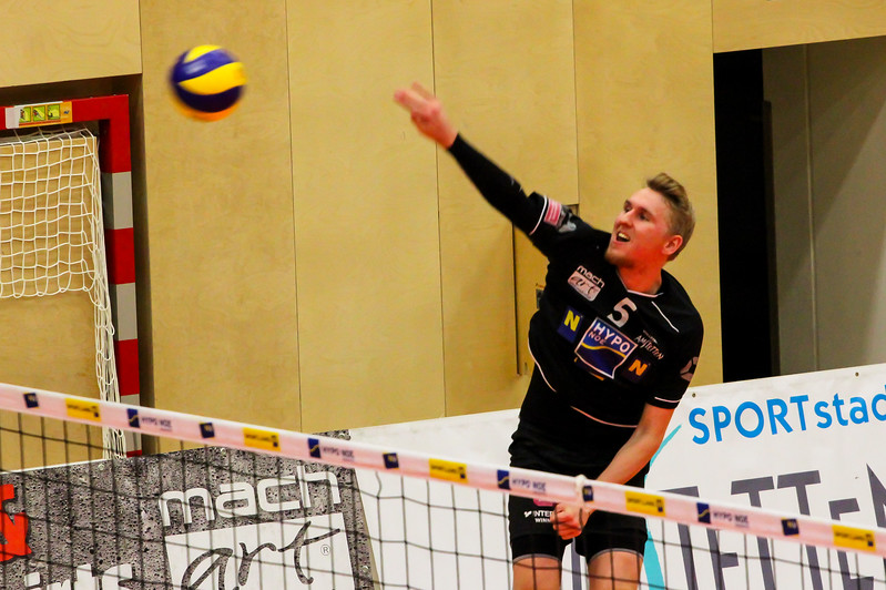 DenizBank AG Volley League Men 2017/18 SG VCA Amstetten NÖ/hotVolleys vs UVC Holding Graz - Credit: Peter Maurer - Bild zeigt: #5 Thomas Tröthann