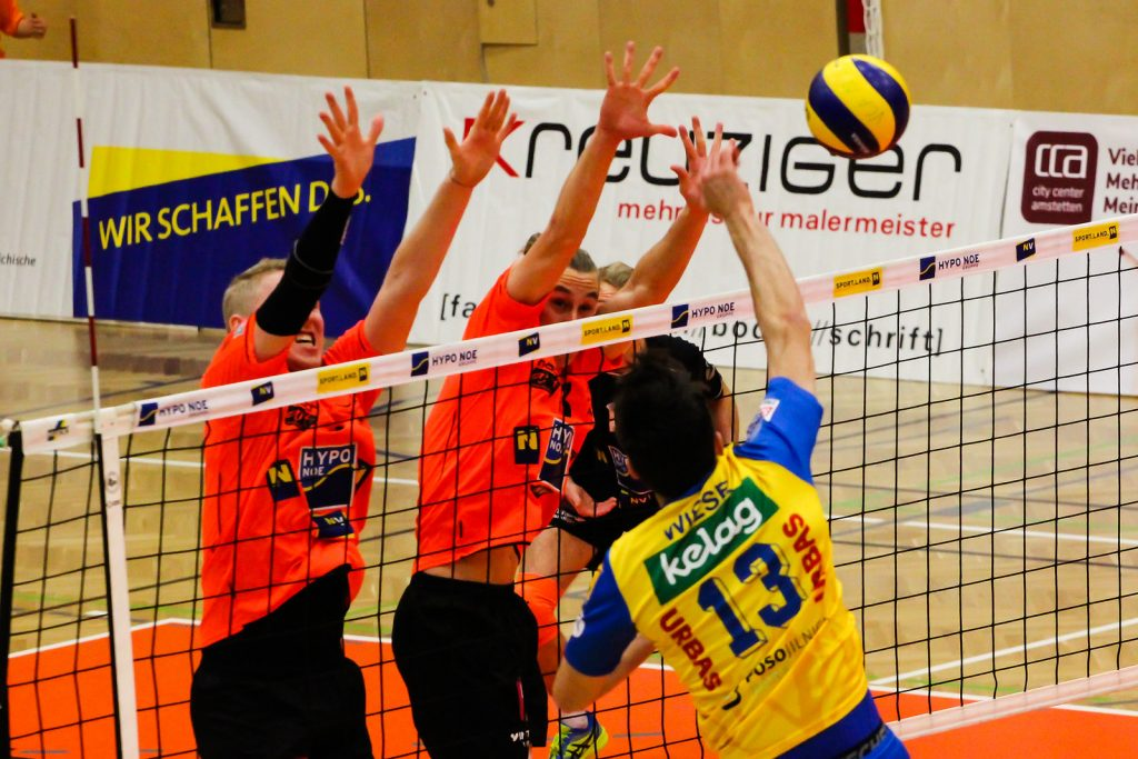 DenizBank AG Volley League Men 2017/18 SG VCA Amstetten NÖ/hotVolleys vs SK Posojilnica Aich/Dob - Credit: Peter Maurer - Bild zeigt: #5 Thomas Tröthann, #13 Karl Jurkovics