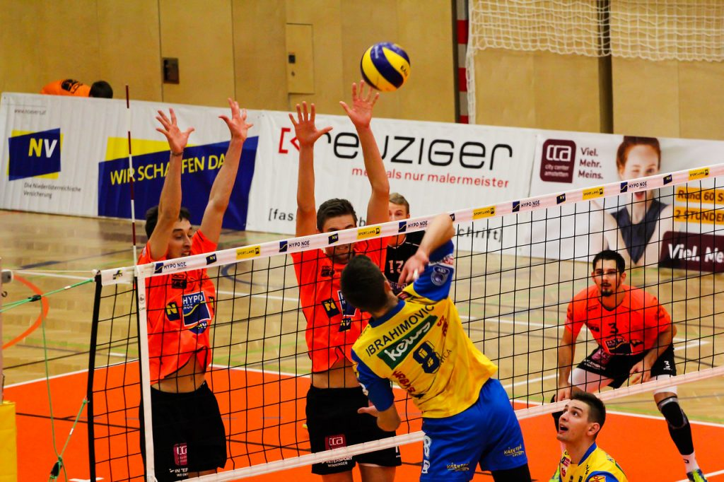 DenizBank AG Volley League Men 2017/18 SG VCA Amstetten NÖ/hotVolleys vs SK Posojilnica Aich/Dob - Credit: Peter Maurer - Bild zeigt: #7 Fabian Kriener, #12 Fabian Schmiedbauer