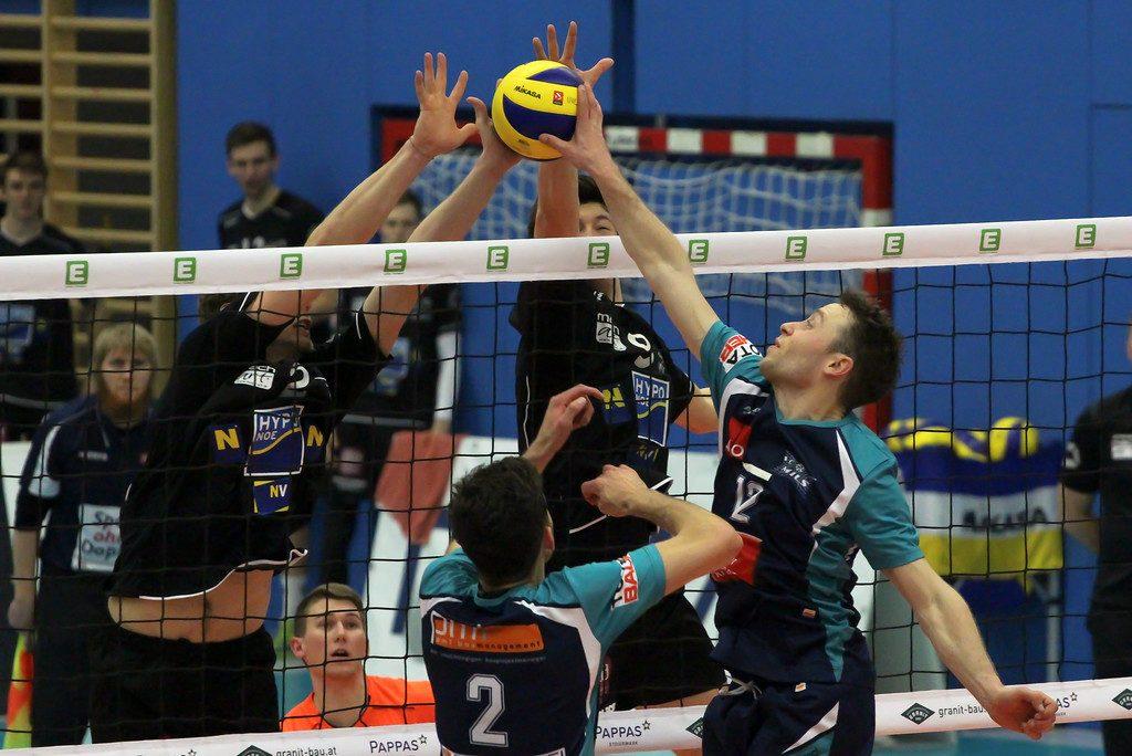 Austrian Volley Cup 2017/18 - Halbfinale - SG VCA Amstetten NÖ/hotVolleys vs. VC Mils - 02/03/2018 - Credit: Peter Maurer - Bild zeigt: #2 Philip Ichovski, #9 Lukas Scheucher