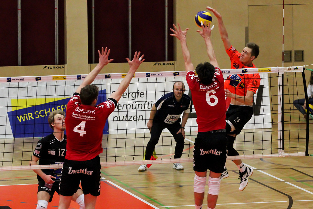 DenizBank AG Volley League Men 2017/18 SG VCA Amstetten NÖ/hotVolleys - SG Union Raiffeisen Waldviertel - 28-03-2018 - Credit: Peter Maurer (honorarfrei bei red. Verwendung) - Bild zeigt: #15 Niklas Etlinger
