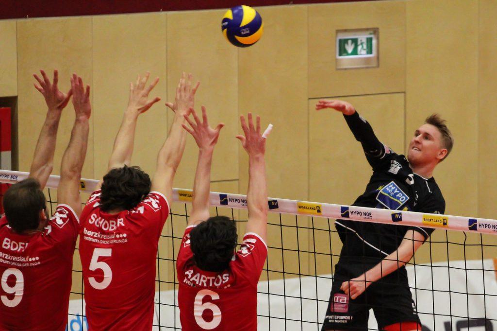DenizBank AG Volley League Men 2017/18 SG VCA Amstetten NÖ/hotVolleys vs Union Raiffeisen Waldviertel - 11.02.2018 - Credit: Peter Maurer - Bild zeigt: #5 Thomas Tröthann