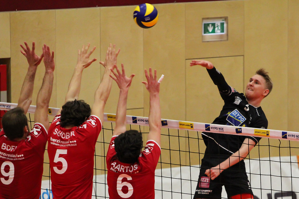 DenizBank AG Volley League Men 2017/18 SG VCA Amstetten NÖ/hotVolleys vs Union Raiffeisen Waldviertel - 11.02.2018 - Credit: Peter Maurer - Bild zeigt: #5 Thomas Tröthann