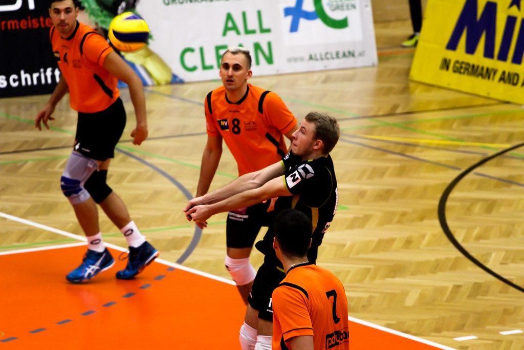 2018-19 DenizBank AG Volley League Men: SG VCA Amstetten NÖ gg. SG Union Raiffeisen Waldviertel - 07/11/2018 - Bild zeigt: #17 Stephan Langwieser  - Credit: Peter Maurer