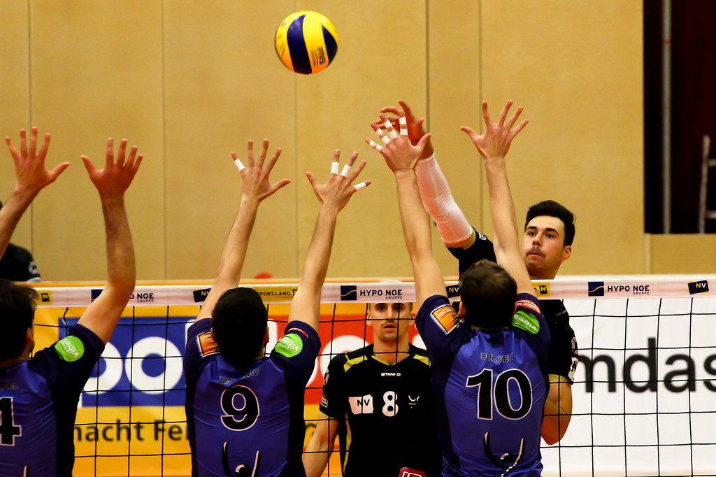 2018-19 DenizBank AG Volley League Men: SG VCA Amstetten NÖ gg. VBC TLC Weiz - 16/11/2018 - Bild zeigt: #4 Cameron Branch - Credit: Peter Maurer - honorarfrei für redaktionelle Verwendung