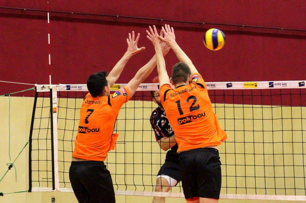 2018-19 DenizBank AG Volley League Men: SG VCA Amstetten NÖ gg. VBK Wörther-See-Löwen - 16/12/2018 - Bild zeigt: #7 Arthur Darmois, #12 Fabian Schmiedbauer - Credit: Peter Maurer (honorarfrei bei red. Verwendung)