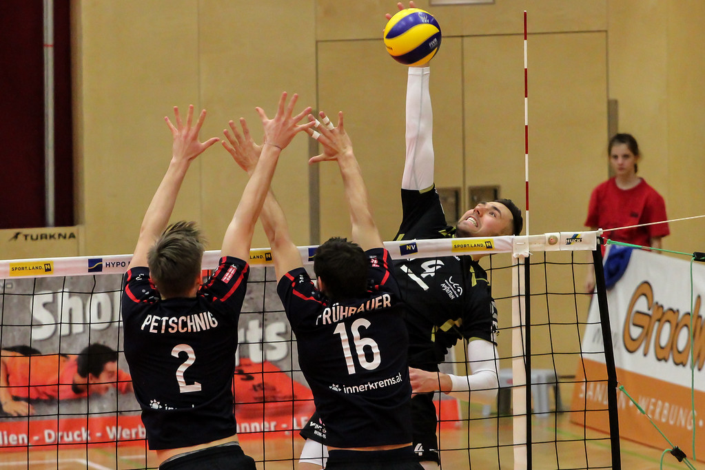 DenizBank AG Volley League Men 2018/19 - SG VCA Amstetten NÖ : VBK Wörther-See-Löwen Klagenfurt - Bild zeigt: #4 Cameron Branch - Credit: Peter Maurer (honorarfrei bei redaktioneller Verwendung)